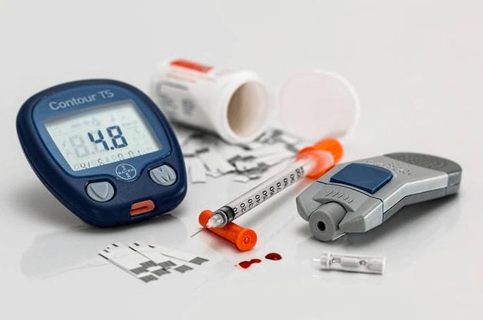 ١٠ طرق للوقاية من مشاكل الكلى Blood-sugar-control